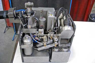 Outillage de contrôle et réparation de soudure dans les tuyauteries primaires