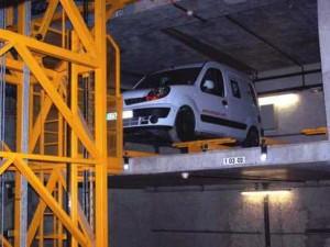 Place de stockage de véhicule dans parking automatique