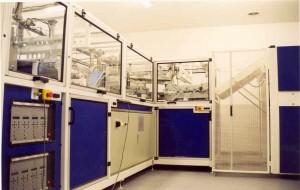 Poste d'assemblage automatique pour le médical